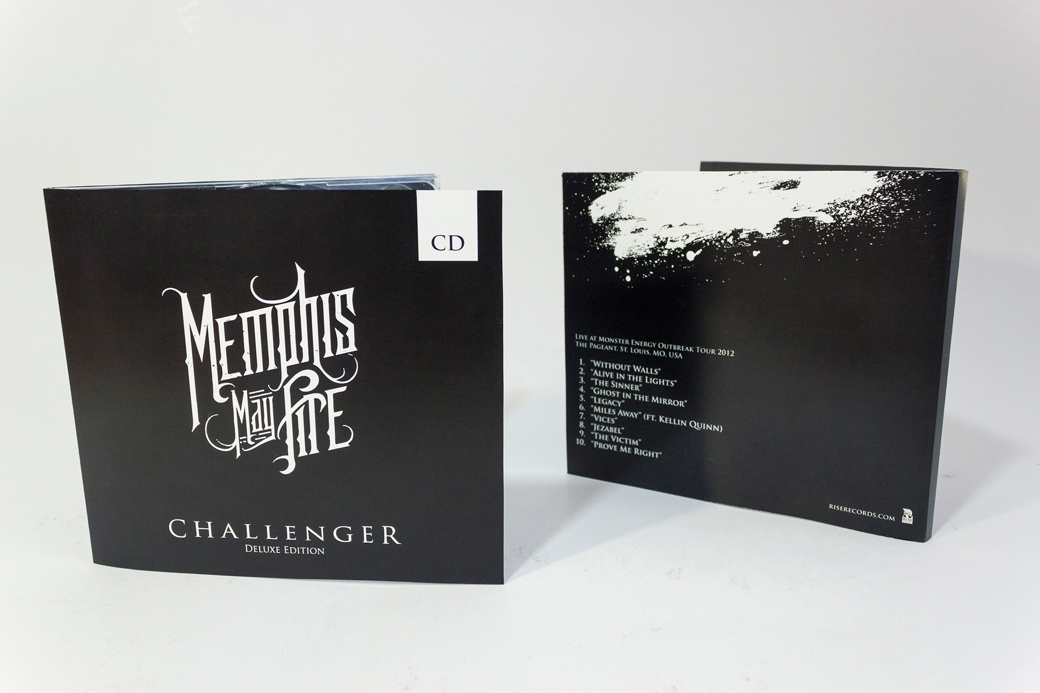raniev-rod-alvarez-diseño-gráfico-queretaro-memphis-may-fire-3-packaging