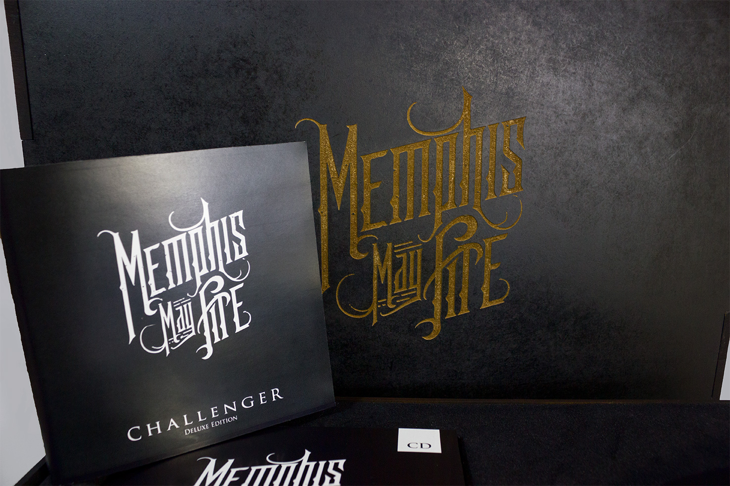 raniev-rod-alvarez-diseño-gráfico-queretaro-memphis-may-fire-9-packaging